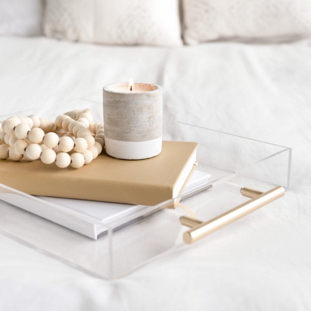 Tagebuch mit Kerze
