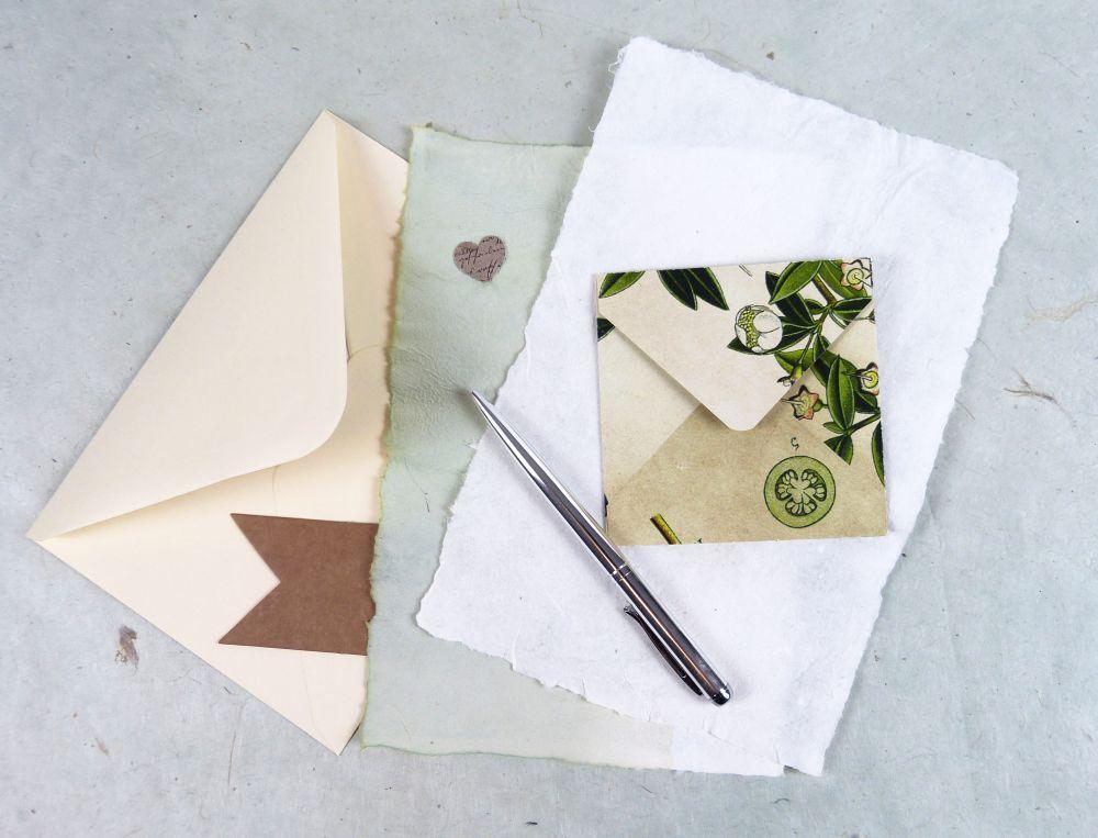 Briefpapier und Umschläge für persönliche Briefe